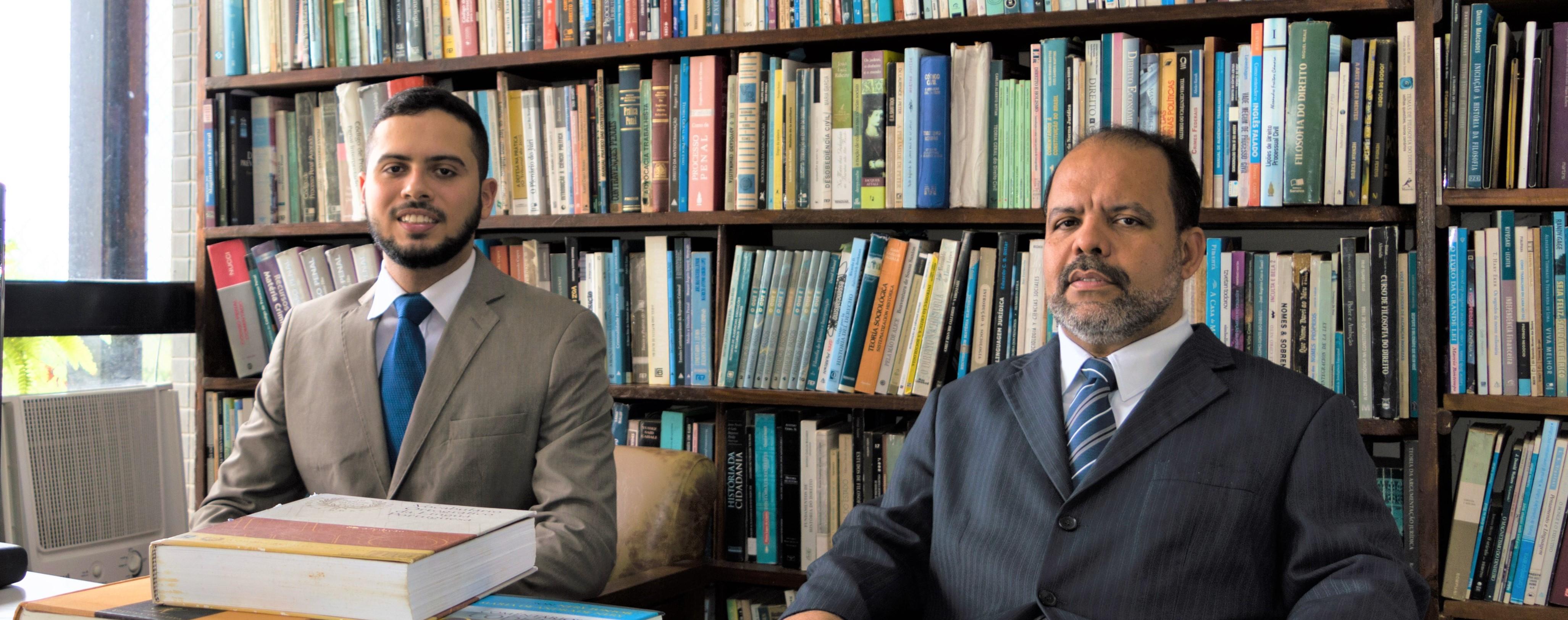 Isaac Taurino-Araújo e professor Taurino Araújo em abril de 2018.